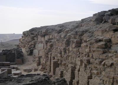 Пирамида Неферефра в Абусире