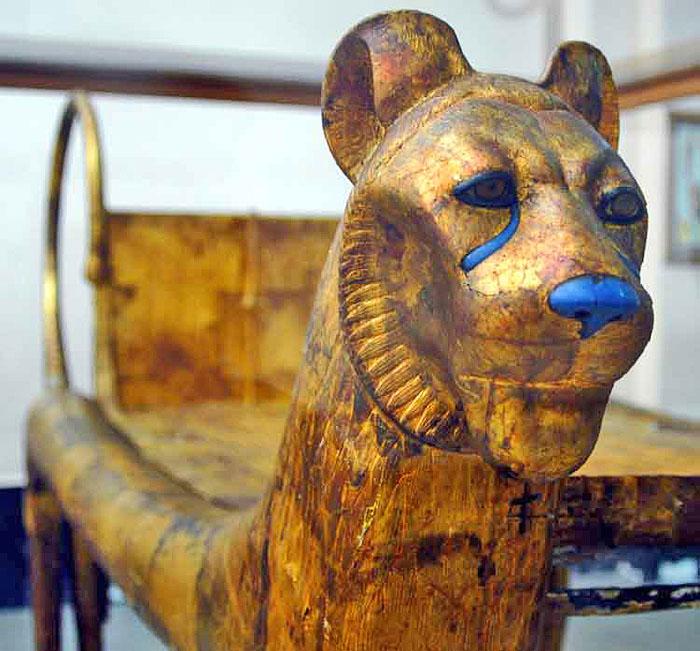 Голова льва. Погребальное ложе. Гробница Тутанхамона.