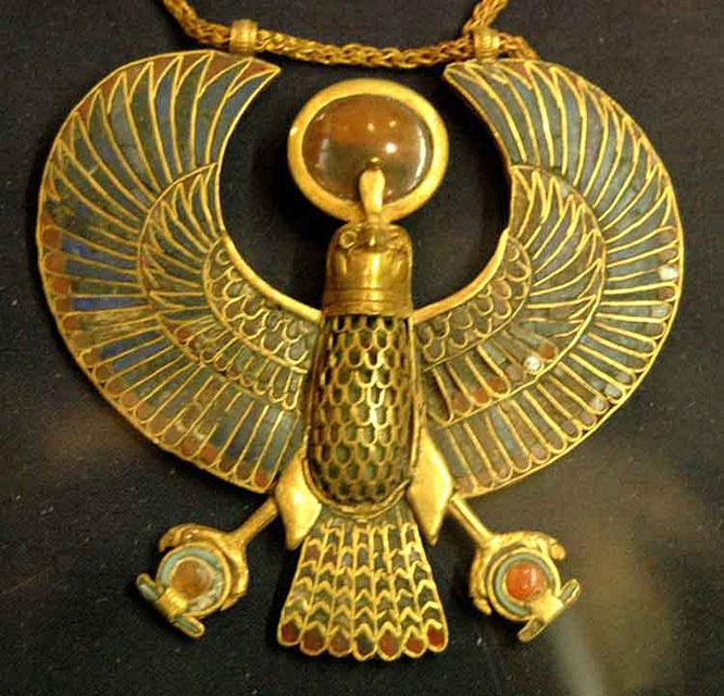 Ожерелье с подвеской в форме сокола. Гробница Тутанхамона.