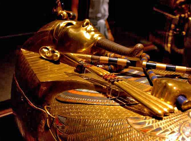 Золотой саркофаг Тутанхамона. Каирский музей.