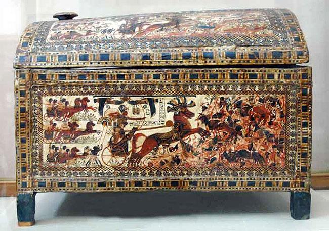 Расписной ларец фараона Тутанхамона. Широкая сторона 1.