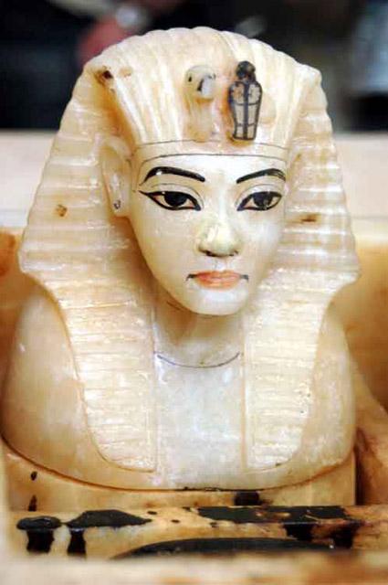 Крышка канопы. Гробница Тутанхамона.