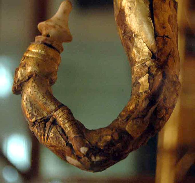 Колесница Тутанхамона. Резное украшение.