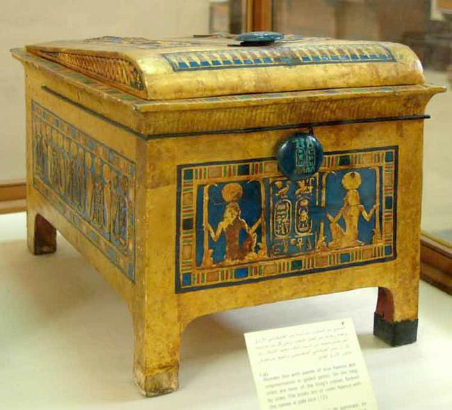 Маленький ларец фараона Тутанхамона.