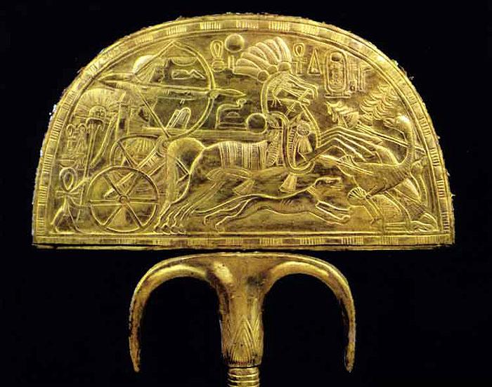 Опахало с изображением колесницы. Сторона 1. Гробница Тутанхамона.