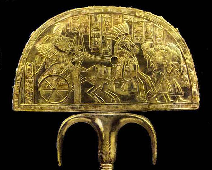 Опахало с изображением колесницы. Сторона 2. Гробница Тутанхамона.