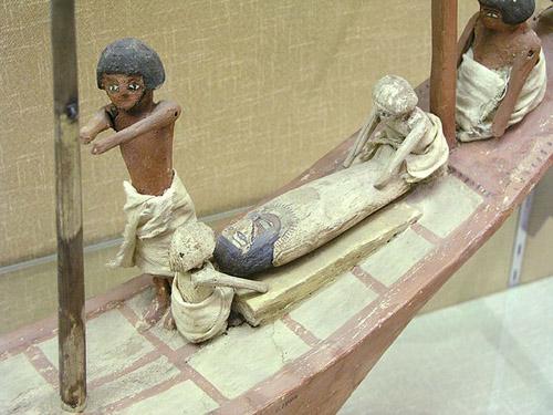 Модель погребальной лодки. Эшмоловский музей.