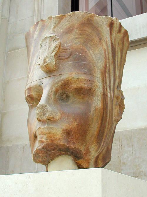 Голова фараона Аменхотепа III. Британский музей