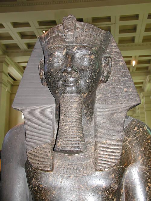 Статуя фараона Аменхотепа II. Британский музей