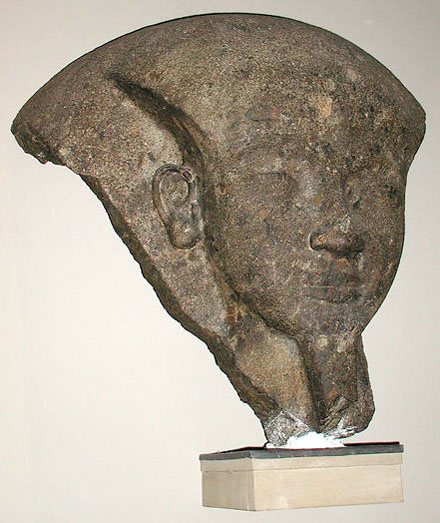 Гранитная голова Рамсесса VI. Британский музей