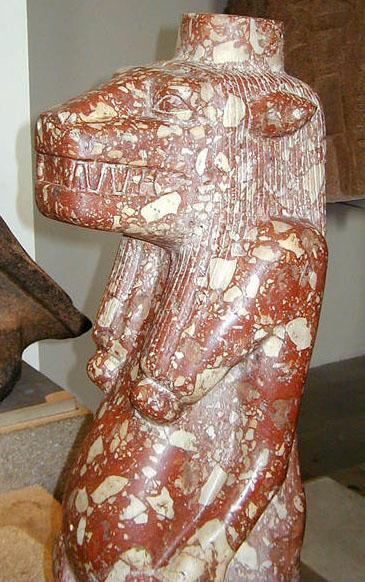 Бречия в форме бога Туарета. Британский музей