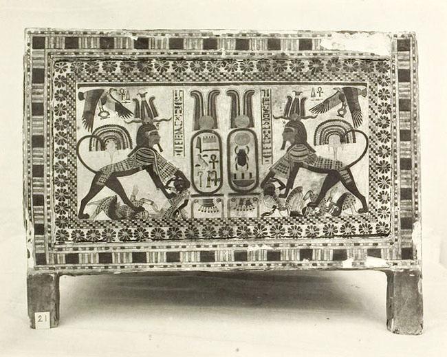 Расписной ларец фараона Тутанхамона. Узкая сторона 2.