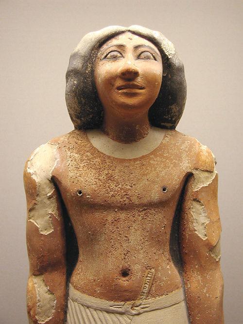 Статуя времен Древнего царства. Каирский музей .