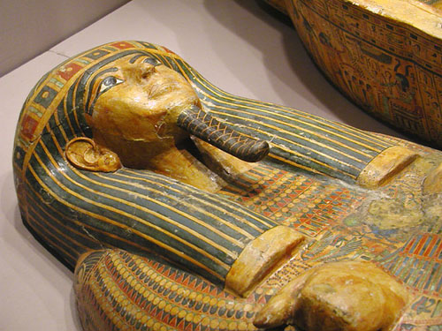 Антропоидный гроб. Каирский музей .