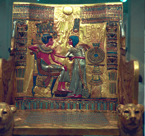 Золотой трон фараона Тутанхамона.