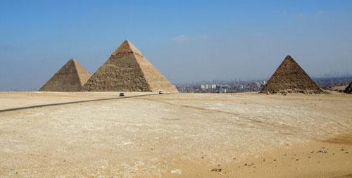 Пирамиды Гизы. Общий вид на три пирамиды
