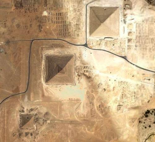 Пирамиды Гизы фото со спутника