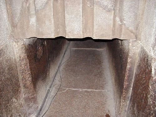 Южная стена в предкамере камеры Царя. Пирамида Хуфу (Хеопса).