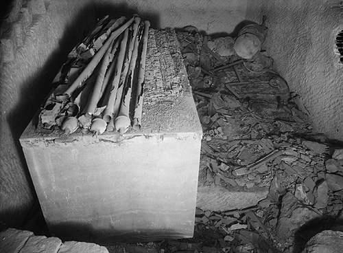Шахтная гробница Хетеферес G 7000X. Фото 1926 года.