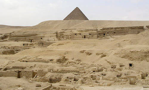 Карьер, где добывали блоки для строительства пирамиды Хуфу.