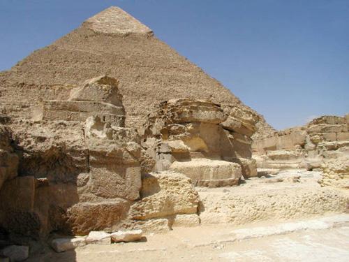 Вид на восточную сторону пирамиды Хефрена.
