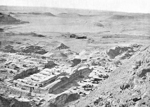 Вид на заупокойный храм. Пирамида Хефрена 1909 год. Мортон Едгар.