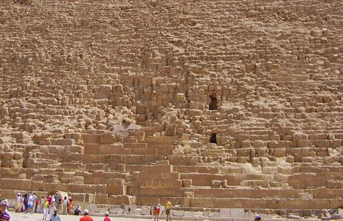 Два входа в пирамиду Хефрена.
