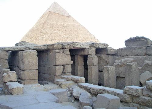 Колонны и коридоры заупокойного храма. Пирамида Микерина (Менкаура).