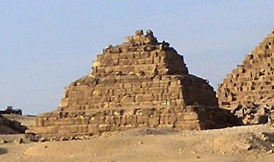 Пирамида- спутник G3b. Пирамида Микерина (Менкаура).