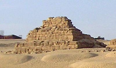 Малая пирамида G3c. Пирамида Микерина (Менкаура).