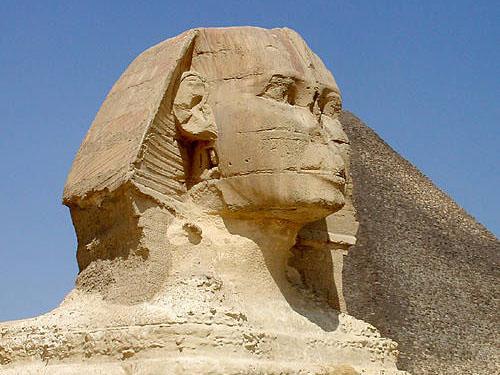 Голова статуи Большого Сфинкса.