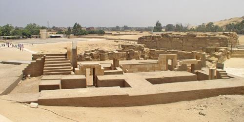 Религиозное здание времен Аменофиса II. Вид на северную сторону.