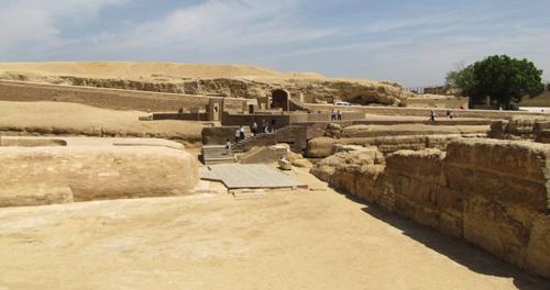 Религиозное здание времен Аменофиса II. Вид на южную сторону.