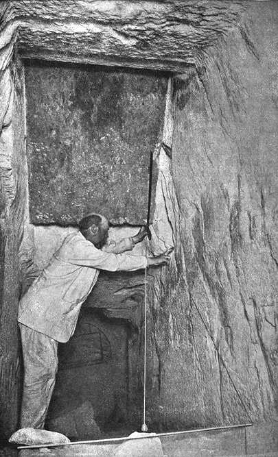 Измерение параметров коридоров. Пирамида Хеопса в 1909 году.
