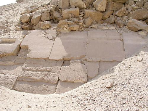 Фрагмент облицовки пирамиды Сесостриса I