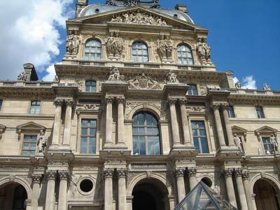 Музей в Лувре