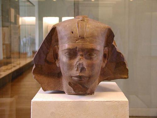Голова статуи фараона Реджедефа (Джедефре). Музей в Лувре