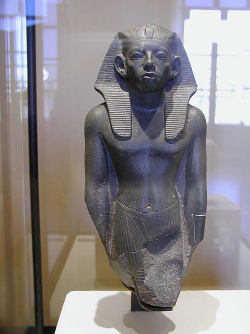 Статуя Аменемхета III. Музей в Лувре