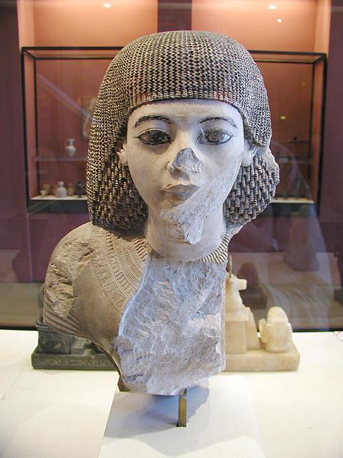 Статуя царского писца Мениоу. Музей в Лувре