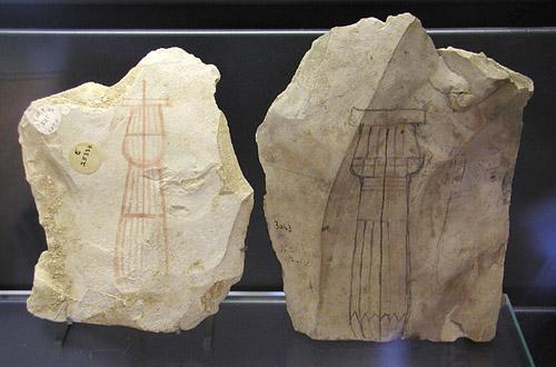 Керамика с изображениями колонн. Музей в Лувре.