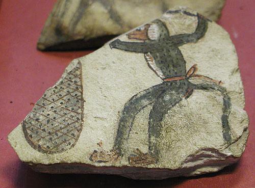 Глиняный черепок с изображением обезьяны. Музей в Лувре