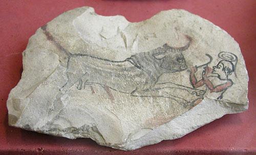 Изображение быка на глиняном черепке. Музей в Лувре