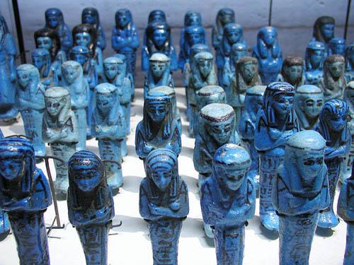 Ритуальные фигурки ушебти. Музей в Лувре
