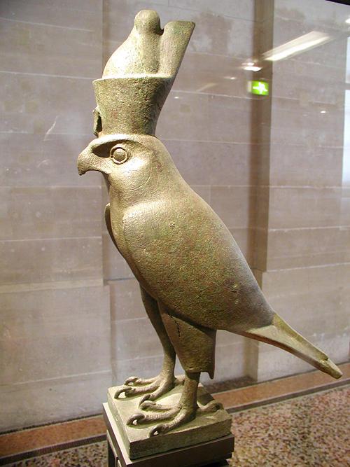 Статуя Гора в виде ястреба. Музей в Лувре