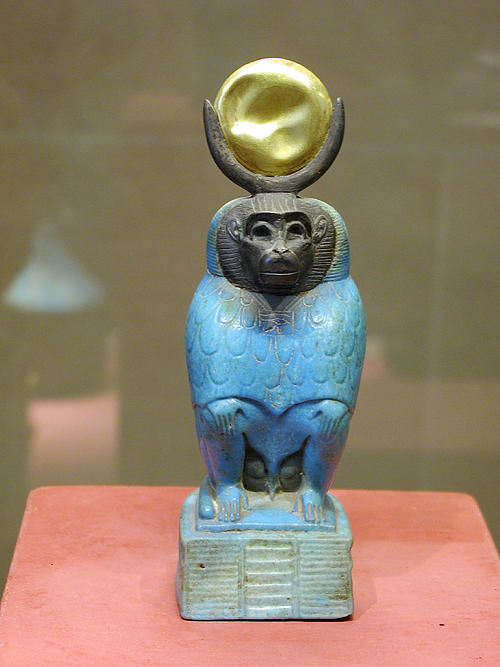 Бог мудрости Тот в виде бабуина. Музей в Лувре