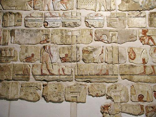 Настенная роспись храма Эхнатона в Карнаке. Музей в Луксоре