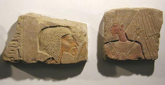 Рельеф Эхнатон и Нефертити. Музей в Луксоре