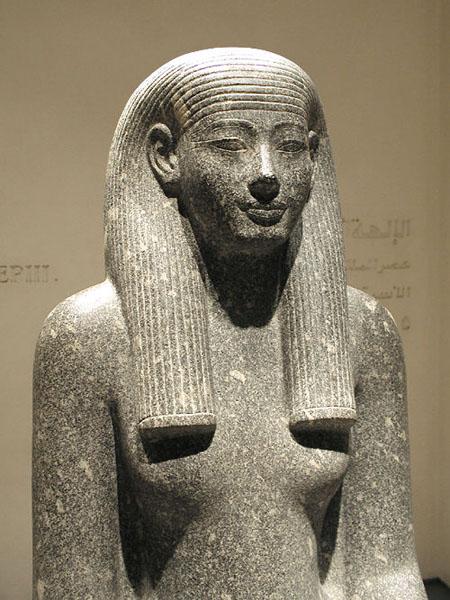 Статуя богини Инует. Музей в Луксоре