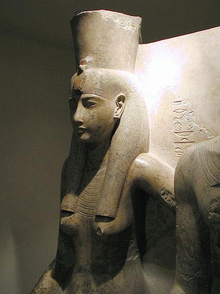 Статуя богини Мут. Музей в Луксоре