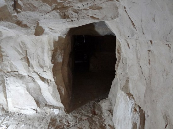 Нижний коридор Мейдумской пирамиды.